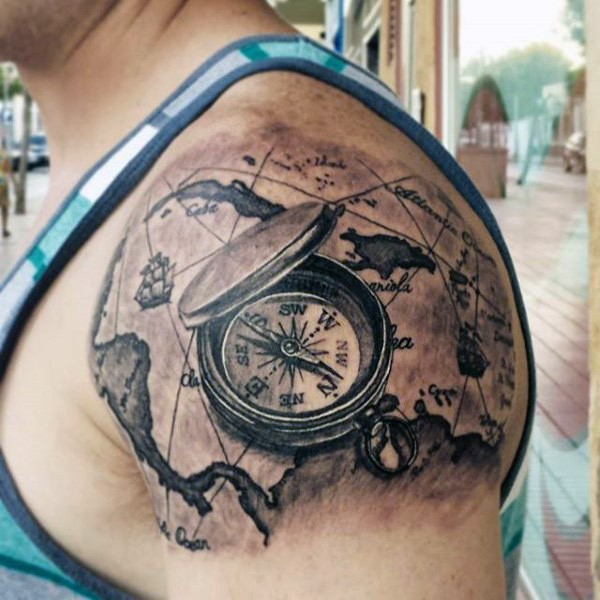 3d Schwarzer Kompass Mit Karte Tattoo Am Oberarrm Tattooimages Biz