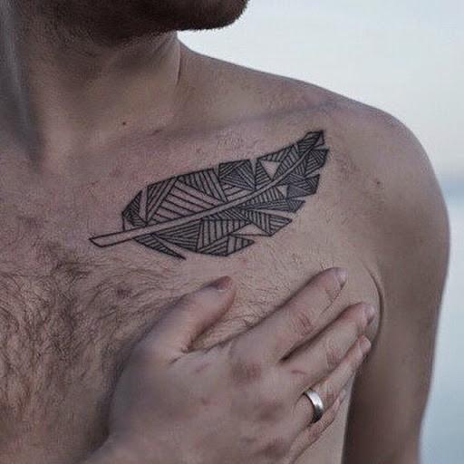 abstrakte graue tribal feder tattoos f r m nner an der brust. Black Bedroom Furniture Sets. Home Design Ideas