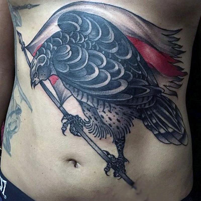 gro es schwarzes detailliertes adler tattoo an der brust. Black Bedroom Furniture Sets. Home Design Ideas