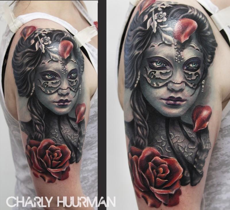 portrait stil farbiges schulter tattoo der sch nen frau in der maske mit blumen. Black Bedroom Furniture Sets. Home Design Ideas