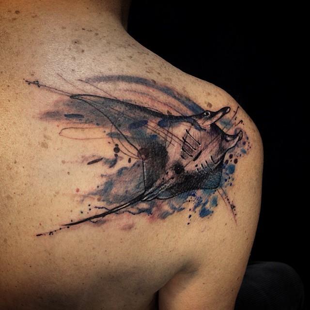Rochen Tattoo: Sketch Stil Schwarzweißes Schulter Tattoo Mit Rochen