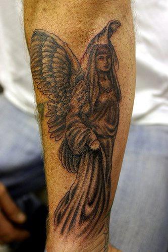 tattoo von frau als engel gestaltet am arm. Black Bedroom Furniture Sets. Home Design Ideas